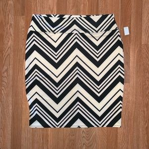Derek Heart Plus Chevron skirt